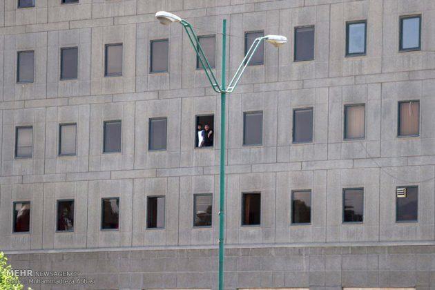 مشاهد من الهجوم المسلح على البرلمان الايراني 13