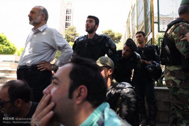 مشاهد من الهجوم المسلح على البرلمان الايراني 15