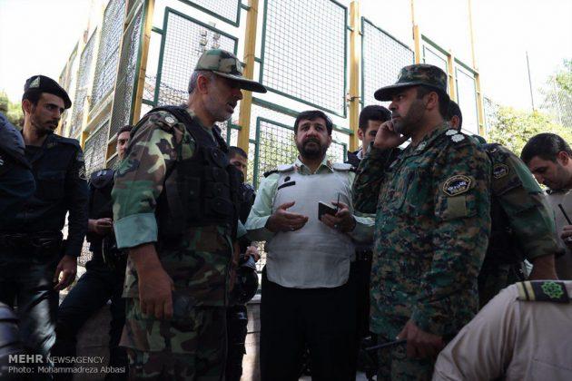 مشاهد من الهجوم المسلح على البرلمان الايراني 18