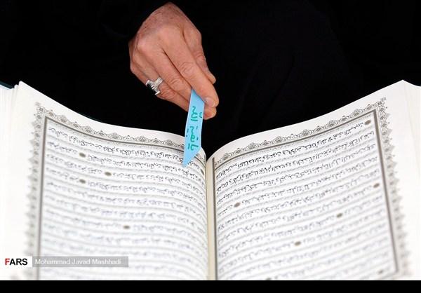 تلاوة القرآن الكريم في رمضان عند مرقد الإمام الرضا (ع)21