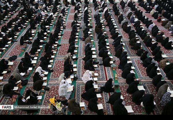 تلاوة القرآن الكريم في رمضان عند مرقد الإمام الرضا (ع)22