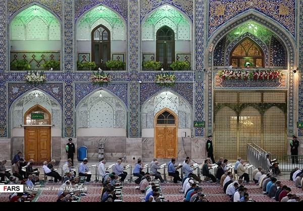 تلاوة القرآن الكريم في رمضان عند مرقد الإمام الرضا (ع)24