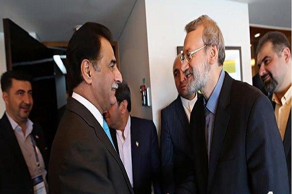 لاريجاني ..على باكستان حماية حدودها بجدية أكبر