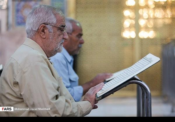 تلاوة القرآن الكريم في رمضان عند مرقد الإمام الرضا (ع)28