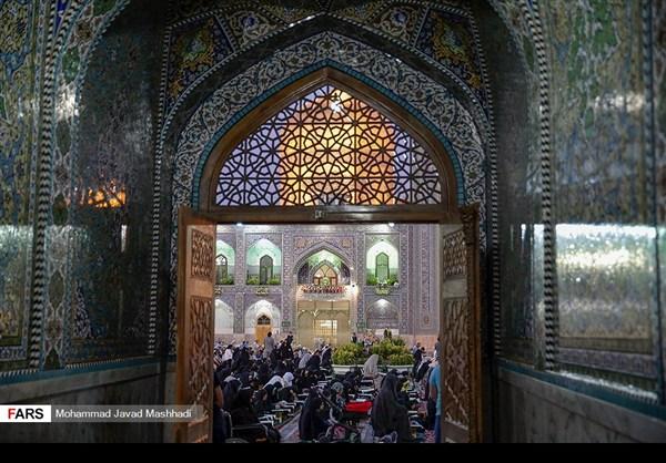تلاوة القرآن الكريم في رمضان عند مرقد الإمام الرضا (ع)31
