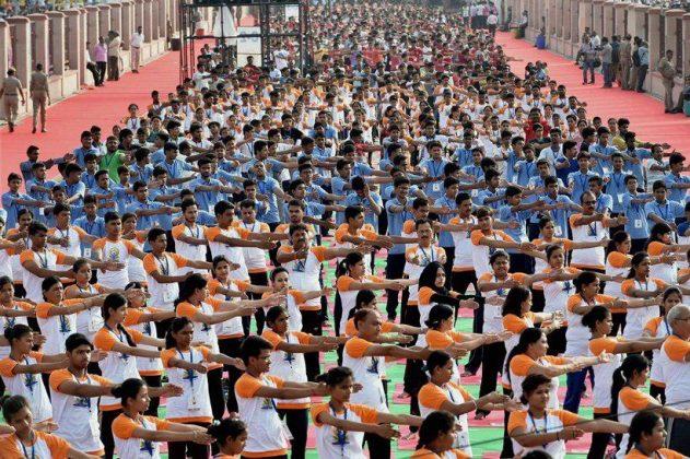 برگزاری مراسم روز جهانی یوگا در بیش از ۱۰۰ کشور جهان6