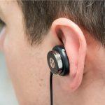 اخصائي ايراني يكشف عن اضراراستخدام سماعات الجوال