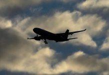 هواپیمای نظامی میانمار با 104 سرنشین گم شد