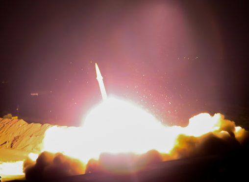 الحرس الثوري يشن هجوما صاروخيا على مواقع التكفيرين بدير الزور السورية