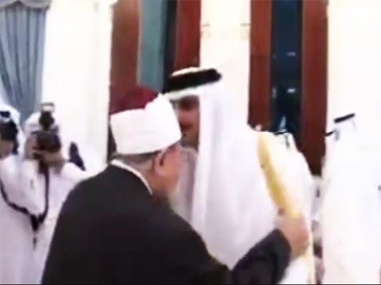 A Kiss that May Outrage Saudis, Escalate Qatar Crisis