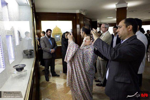العتبة الرضوية تستضيف السفراء الاجانب لدى طهران 1
