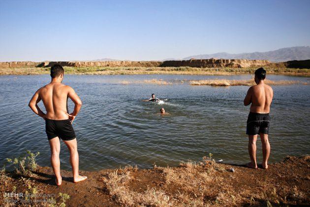 برك الماء ملاذ شباب همدان الايرانية في الصيف11