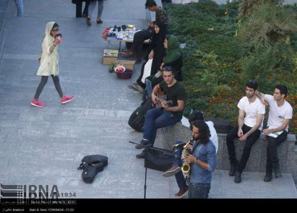 عزف الموسيقى في محطات مترو الانفاق بطهران12