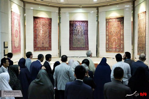 العتبة الرضوية تستضيف السفراء الاجانب لدى طهران 15