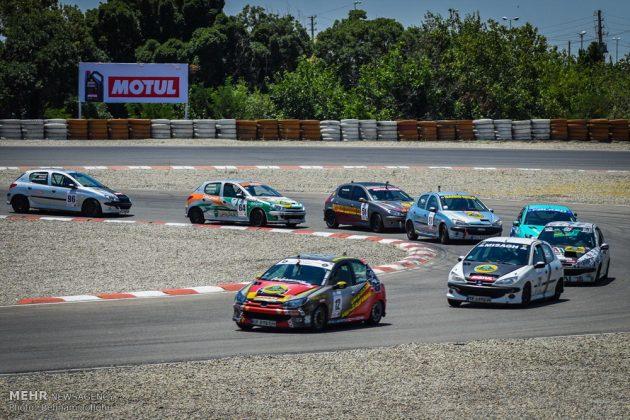 ثاني جولة لسباق الرالي في العاصمة طهران