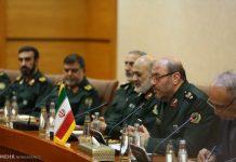 وزير الدفاع الايراني.. نرفض التحركات الانفصالية في العراق