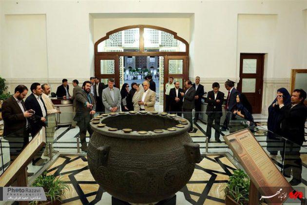 العتبة الرضوية تستضيف السفراء الاجانب لدى طهران 4