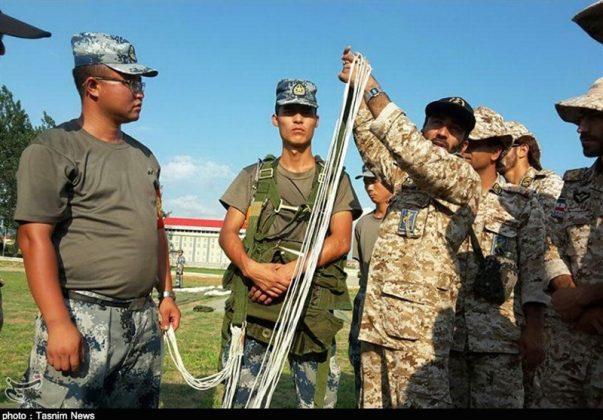 الحرس الثوري يجري تدريبات في الصين4