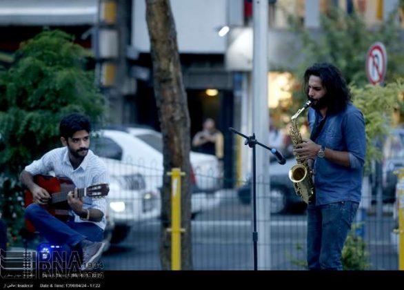 عزف الموسيقى في محطات مترو الانفاق بطهران7