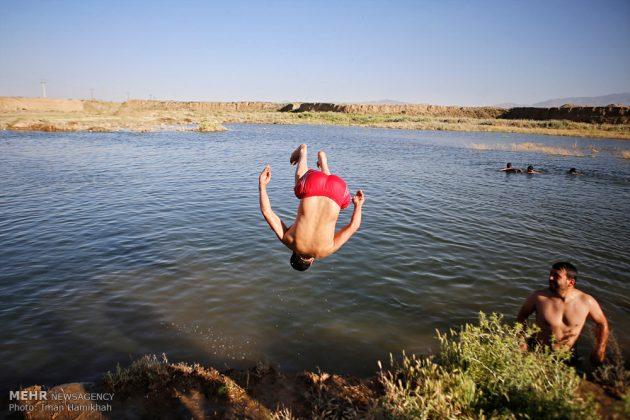برك الماء ملاذ شباب همدان الايرانية في الصيف7