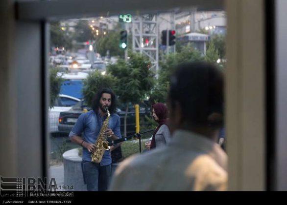 عزف الموسيقى في محطات مترو الانفاق بطهران8