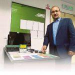 استاذ ايراني يخترع جهازا لعلاج عمى الألوان