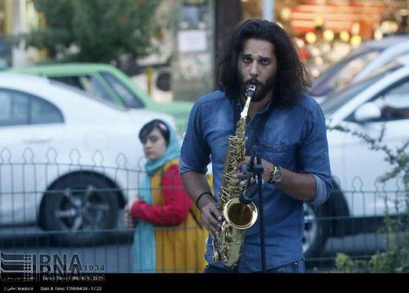 عزف الموسيقى في محطات مترو الانفاق بطهران9