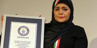 Iranian Female Swimmer Breaks Guinness Record