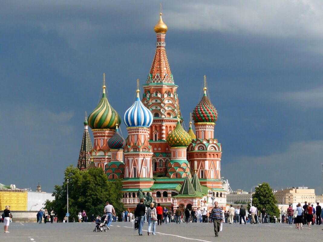 Russia to Lift Visa Requirements for Iranians Soon