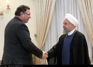 """الرئيس روحاني: العقد المبرم مع """"توتال"""" خطوة مهمة لنقل الخبرات العلمية"""