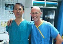 پزشک ایتالیایی، سر بیمار چینی را عوض میکند