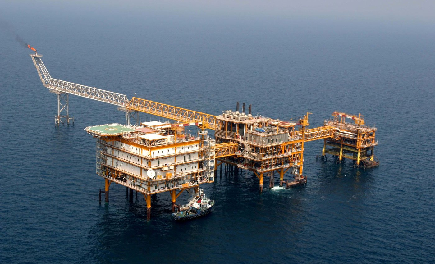 Iran Not Obliged to Contract Out Oil Projects to India'