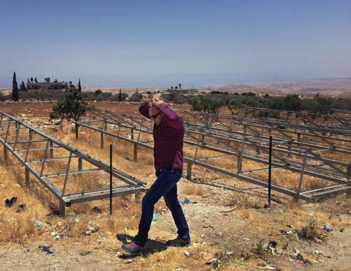 اسرائیل نیروگاه برق روستای فلسطینی را دزدید