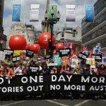 تظاهرات 100 هزار نفری انگلیسیها علیه نخستوزیر