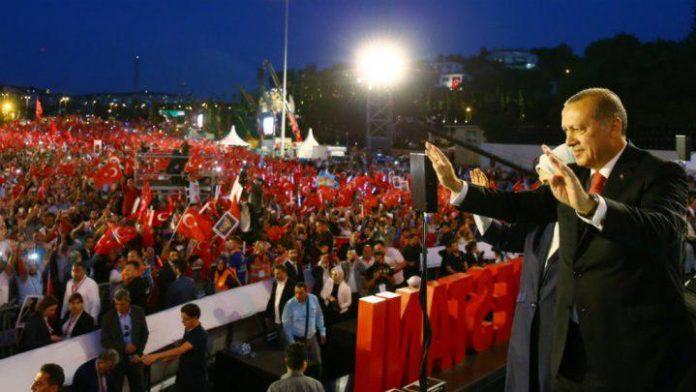 اردوغان: سر از تن خیانتکاران کودتاچی جدا میکنم