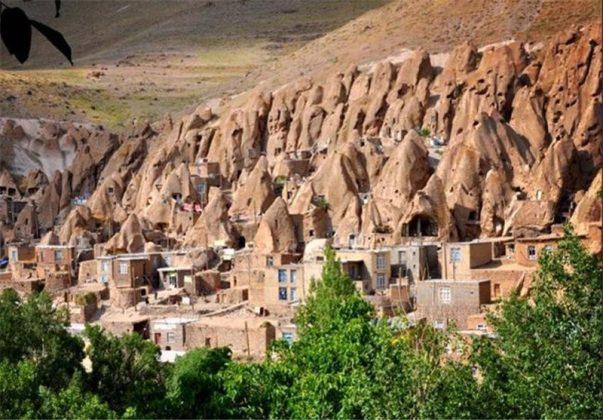 """قرية """"كندوان"""" تحفة منحوتة بين الصخور 10"""