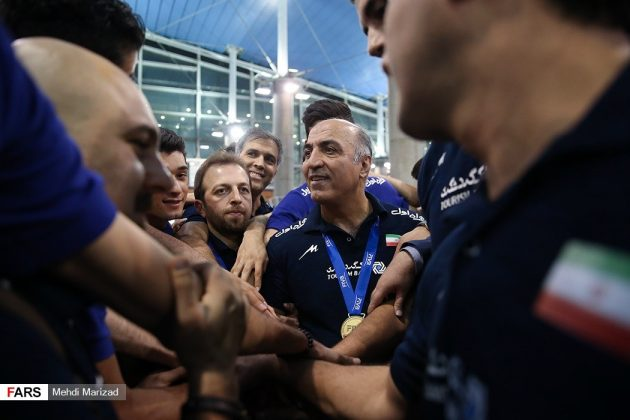 عودة منتخب ناشئة ايران بعد تتويجه ببطولة العالم للكرة الطائرة13