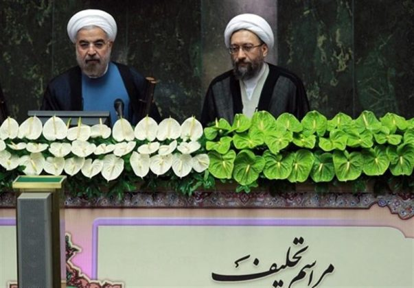 روحاني يؤدي اليمين الدستورية رئيسا لإيران