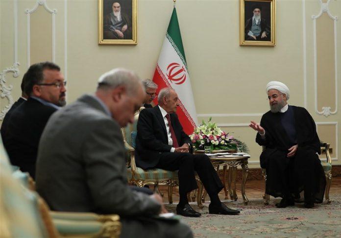 روحاني .. إيران ستبقى دائما الى جانب الشعب والمقاومة في لبنان