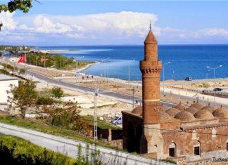 """ولاية """"وان"""" التركية تستعد لاستقبال آلاف السياح الإيرانيين"""