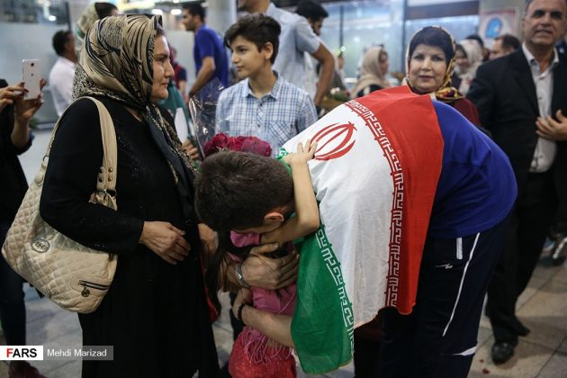 عودة منتخب ناشئة ايران بعد تتويجه ببطولة العالم للكرة الطائرة15