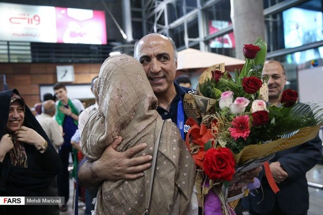 عودة منتخب ناشئة ايران بعد تتويجه ببطولة العالم للكرة الطائرة16