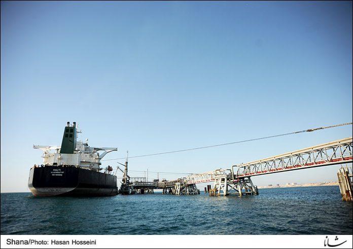 إرتفاع صادرات الخام الإيراني إلی ۲.۲ ملیون برمیل في یولیو