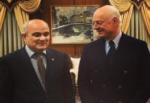 استيفان دیمیستورا یجتمع مع السفیر الروسي في طهران