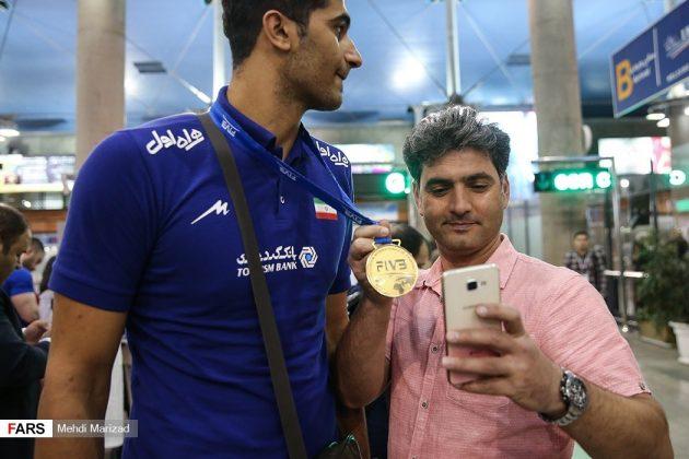 عودة منتخب ناشئة ايران بعد تتويجه ببطولة العالم للكرة الطائرة3