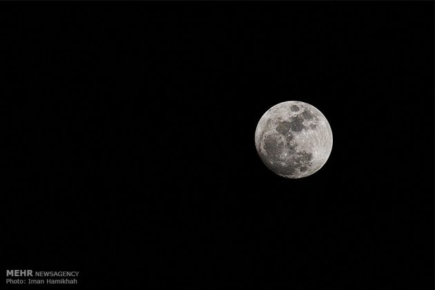 ظاهرة خسوف القمر في ايران4