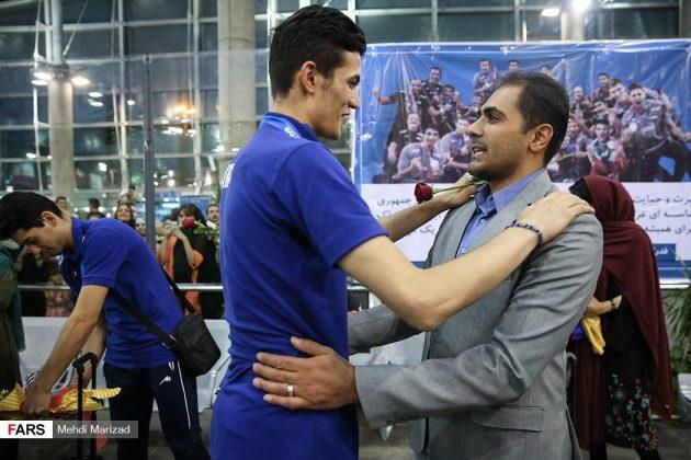 عودة منتخب ناشئة ايران بعد تتويجه ببطولة العالم للكرة الطائرة4