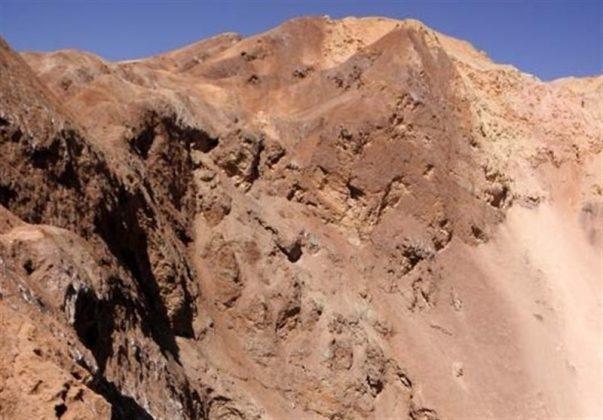 النقوش المنحوتة على قمم جبال كردستان الايرانية 5