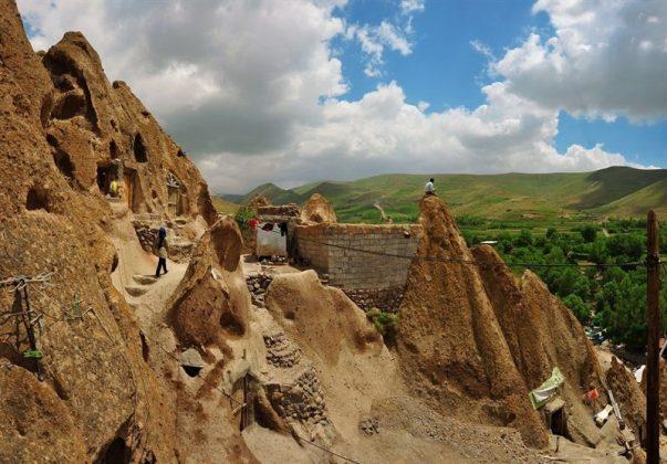"""قرية """"كندوان"""" تحفة منحوتة بين الصخور 7"""