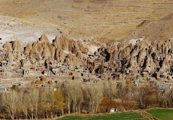"""قرية """"كندوان"""" تحفة منحوتة بين الصخور 8"""